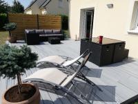 Nouvelle Terrasse en COMPOSITE TREX Réalisé par Suisse Verte Paysage sur BAYEUX